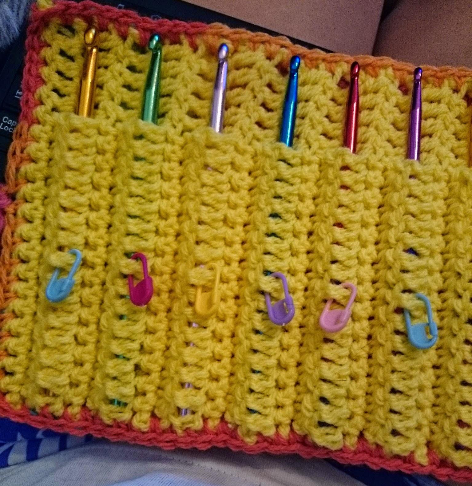 crochet hook case stitch markers pockets holder craft crocheting crocheter