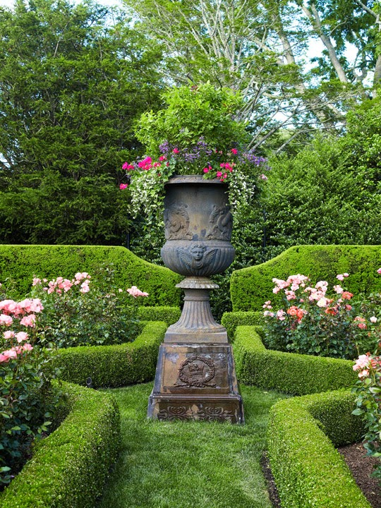 Luscious English Style Garden In Long Island Ny