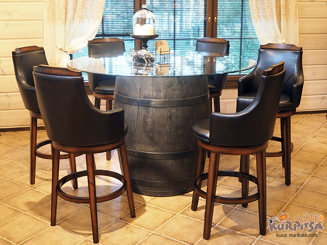Tynnyri pöytä