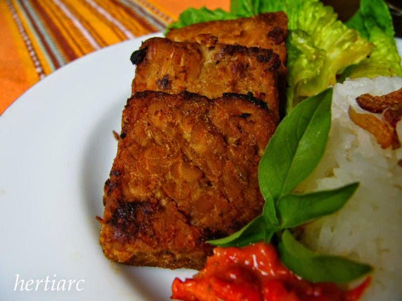 Resep Bolu Kukus Pelangi ( Rainbow Steamed Sponge Recipe )