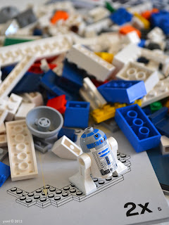 lego r2d2 - the r2d2 minifigure freed from bag 10