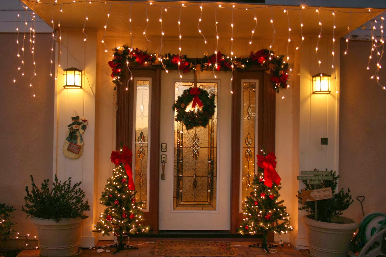 Decoration and ideas decorating front door for christmas decorating front door for christmas rubansaba