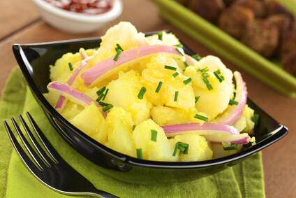 Duitse aardappelsalade met mayonaise