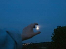 Que nos cuide la luna