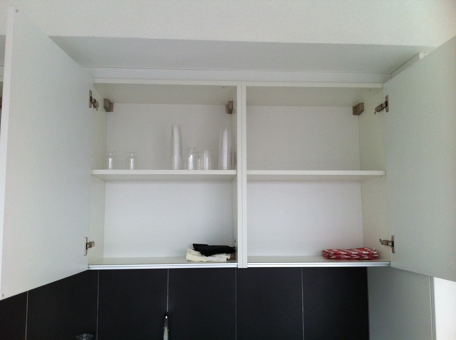 le tigre ao t 2015. Black Bedroom Furniture Sets. Home Design Ideas
