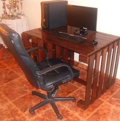 escritorio para nuestro ordenador hecho con palets