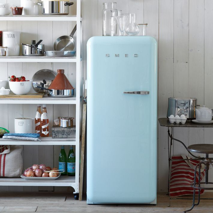 leuchtend grau interior-design-blog celebrating soft minimalism: smeg