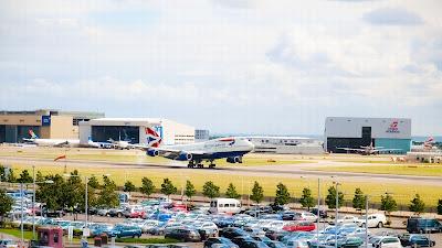 Simulando o voo BA0247: de Heathrow a Guarulhos no Boeing 747  Boeing+747+em+Heathrow