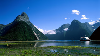 (New Zealand) - Mitre Peak Milford Sound