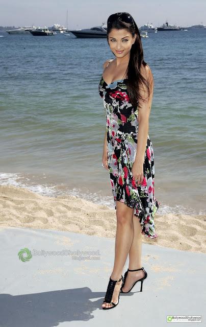 Aishwarya Rai Cannes Pic - Aishwarya Rai  Cannes Pics