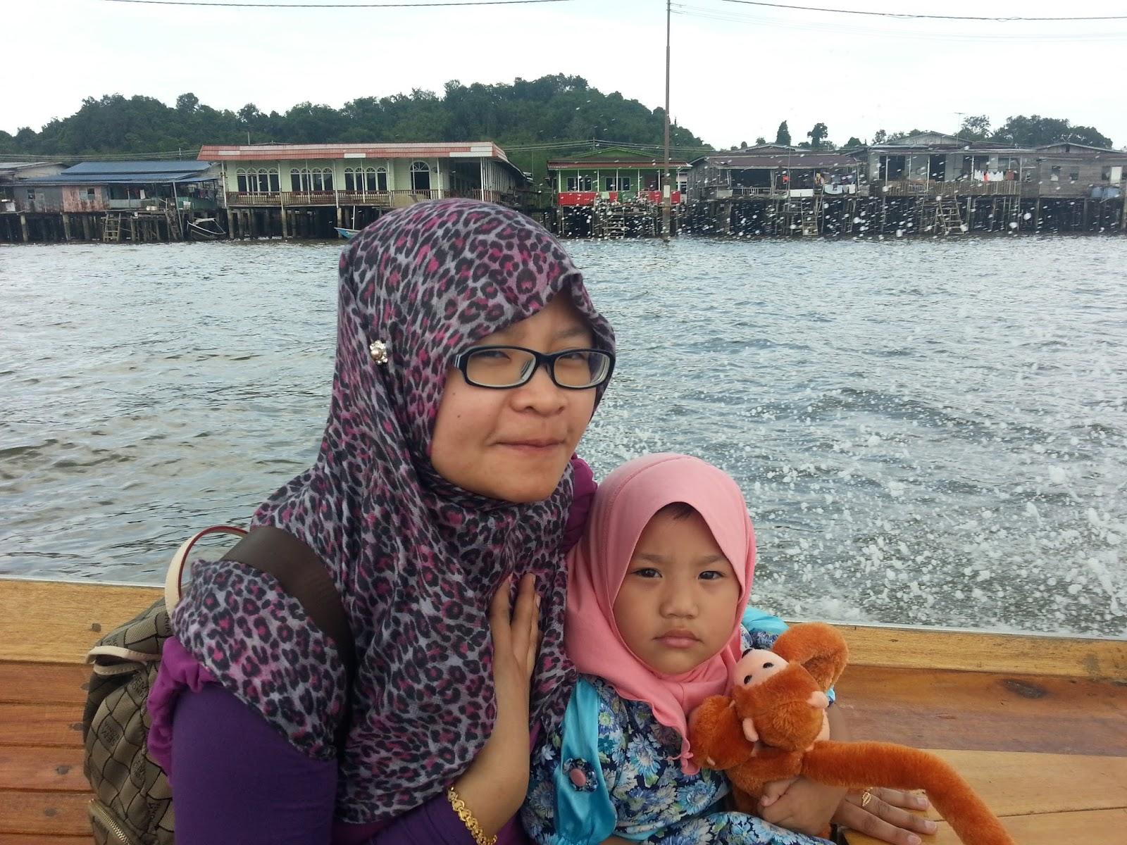 http://www.khairunnisahamdan.com/2015/03/trip-to-brunei-darussalam-kampong-ayer.html