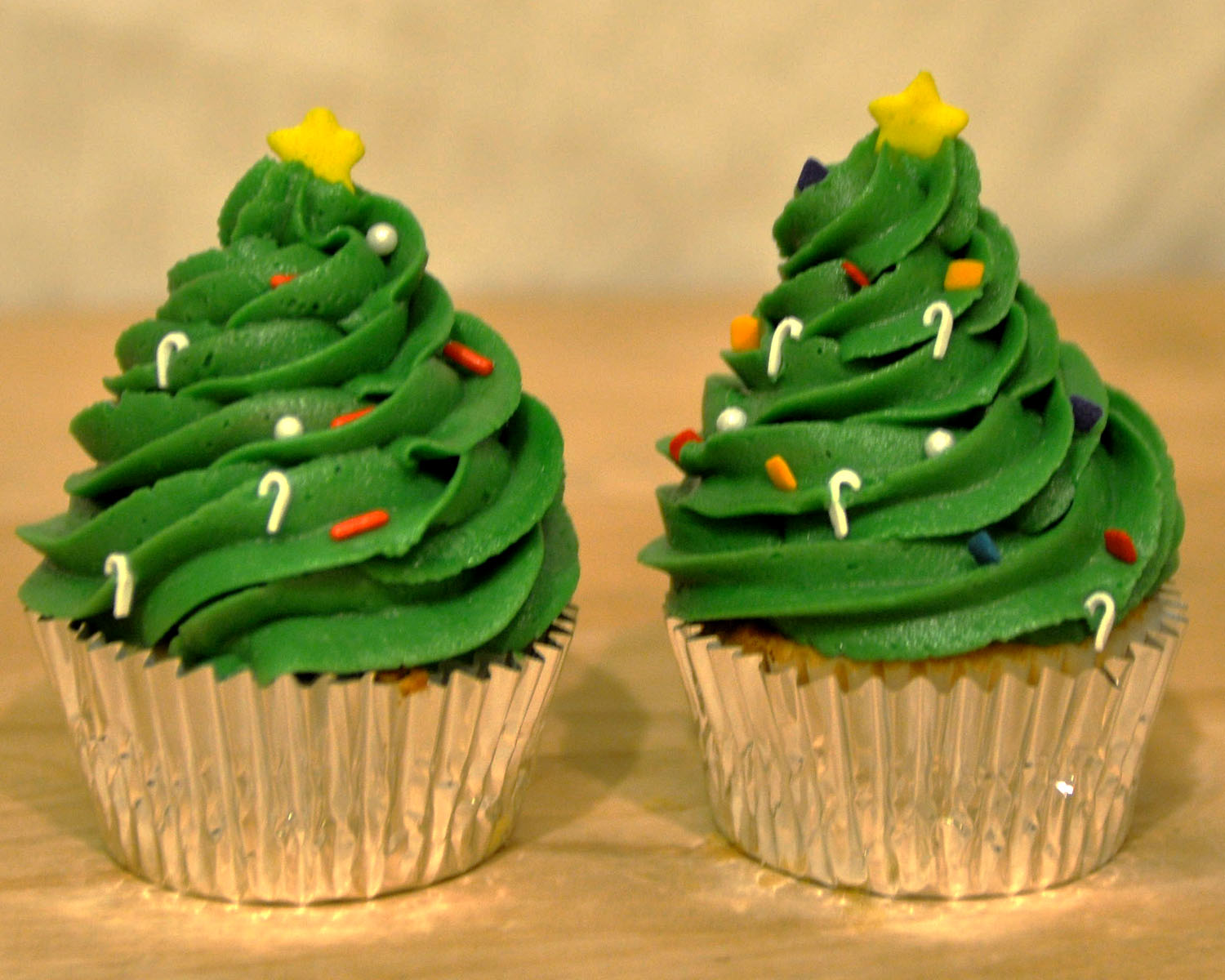 Cupcake Decorating Christmas Tree : Beki Cook s Cake Blog: Simple Christmas Cake
