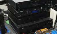 一屋四味,藍光碟機。
