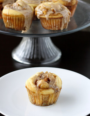 Apple Cinnamon Roll Cupcakes