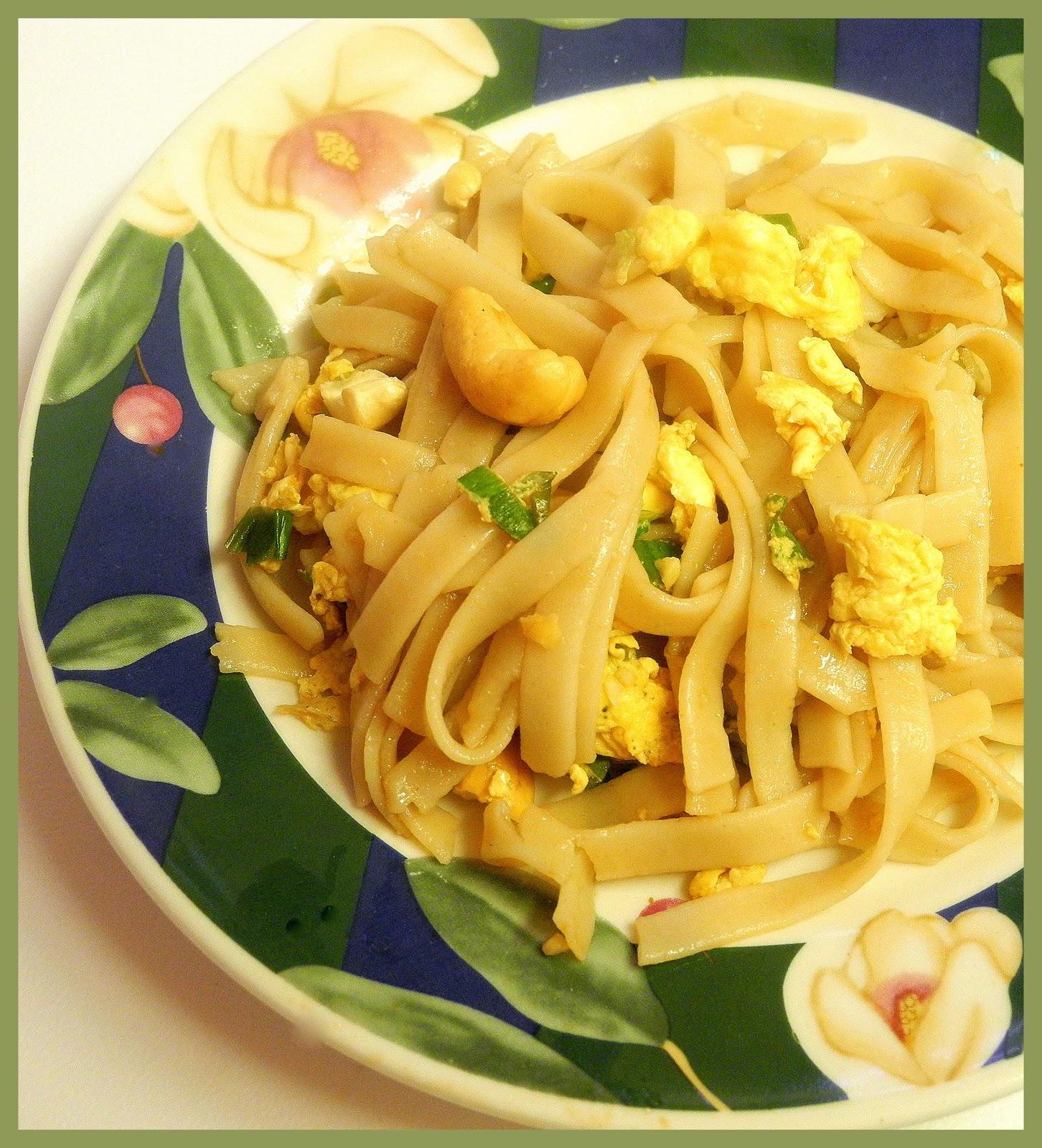 BIZZY BAKES: Vegetable Pad Thai