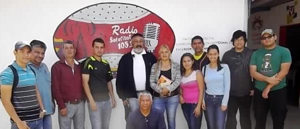 RELEVO/ Forman en Valera operadores de radio