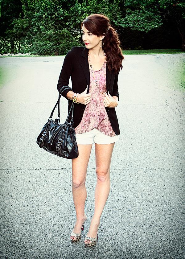 Le Tote blazer khaki style outfit