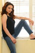Reena Bhatia glamorous photos-thumbnail-4