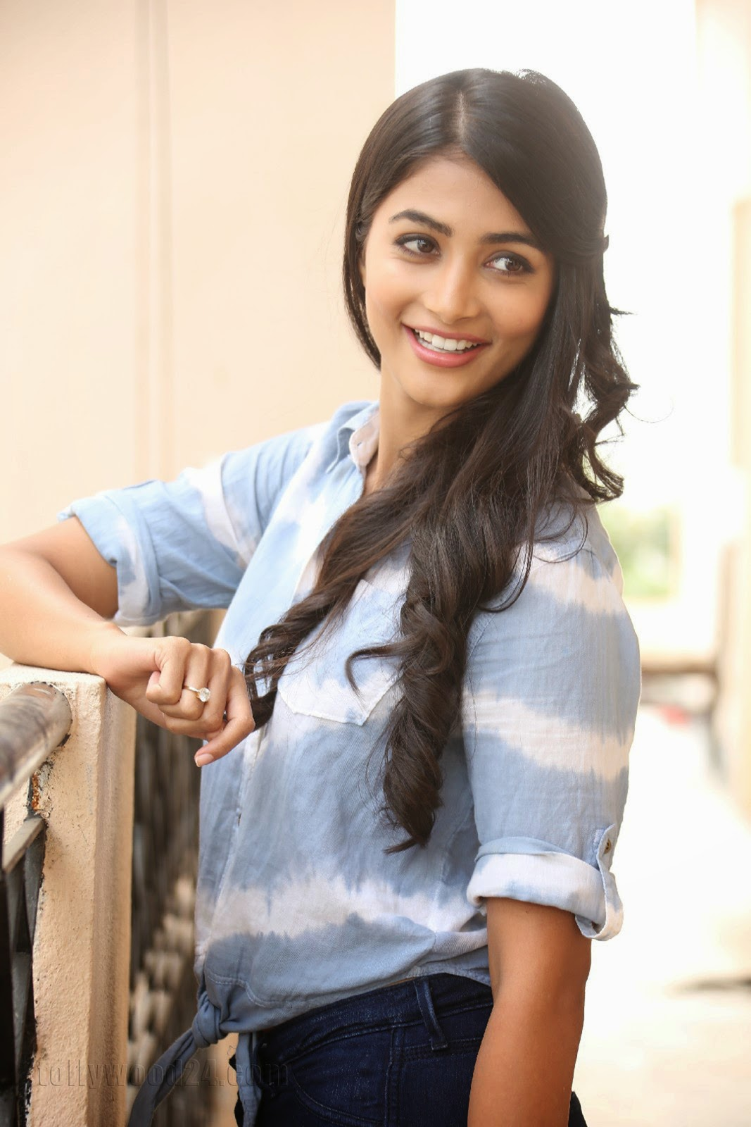 Pooja hegde gorgeous photo shoot-HQ-Photo-16