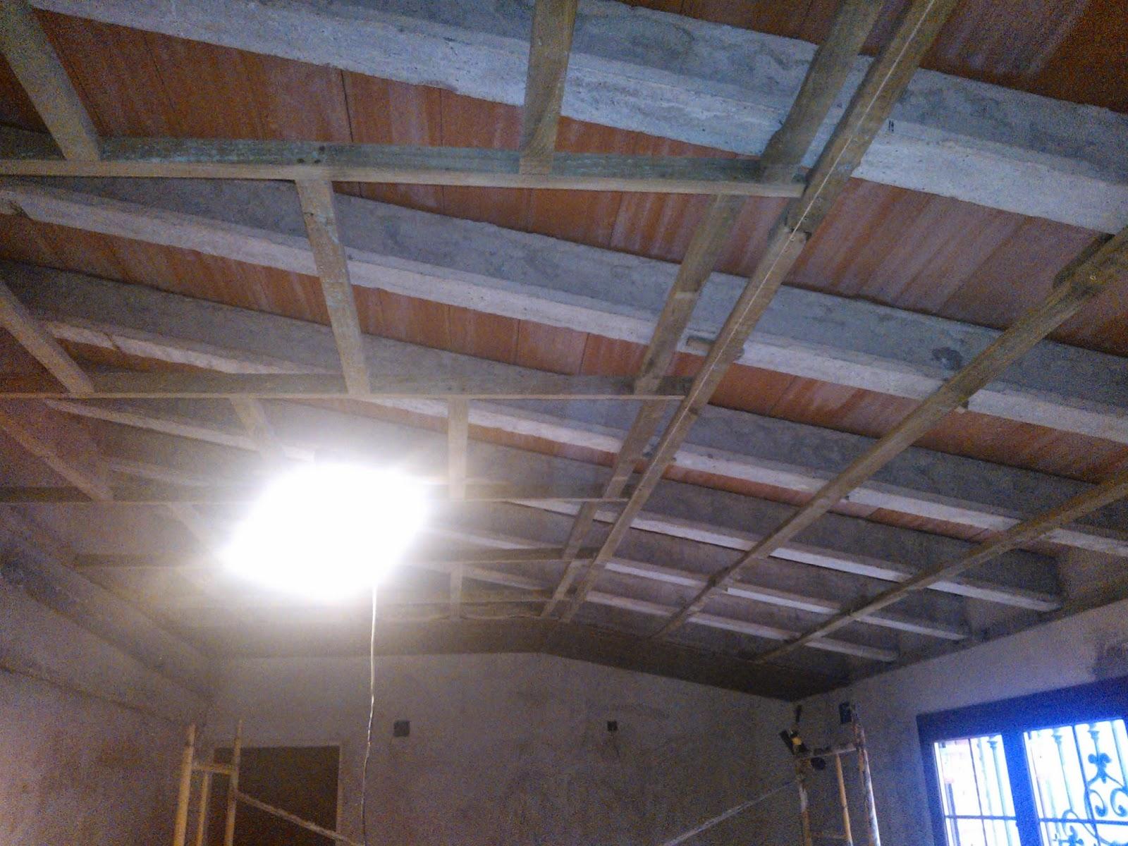 Madera y mueble techo y paredes en friso - Friso en techo ...