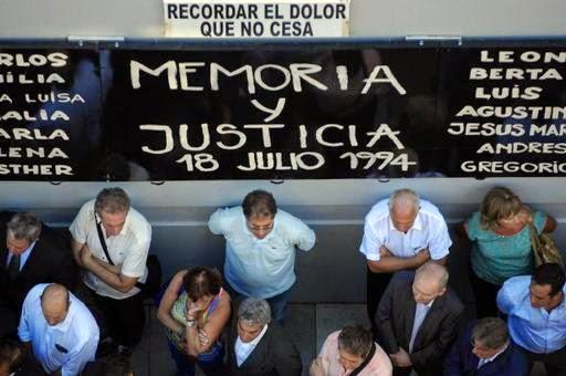 Argentina indenizará vítimas do atentado à AMIA