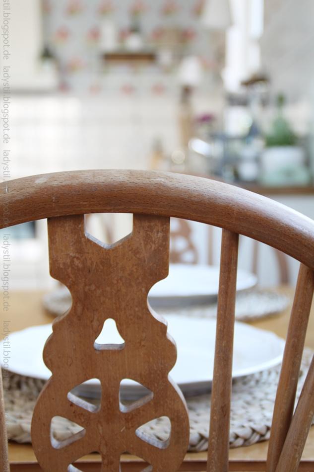 verschnörkelte-küchen-stuhl-lehne