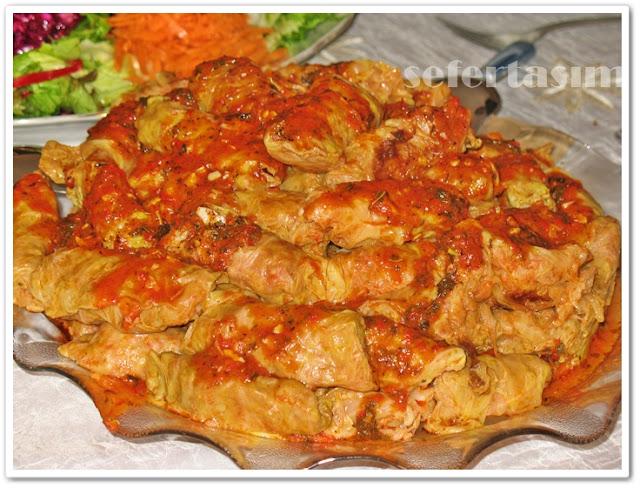 ekşi soslu lahana sarması