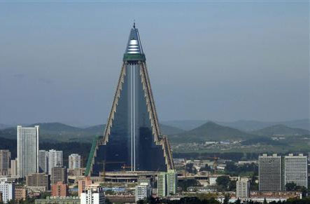 triangle, building, architecture, Ryugyong, Hotel, Pyongyang, North Korea, korea, amazing, piramid, awesome, cool, design