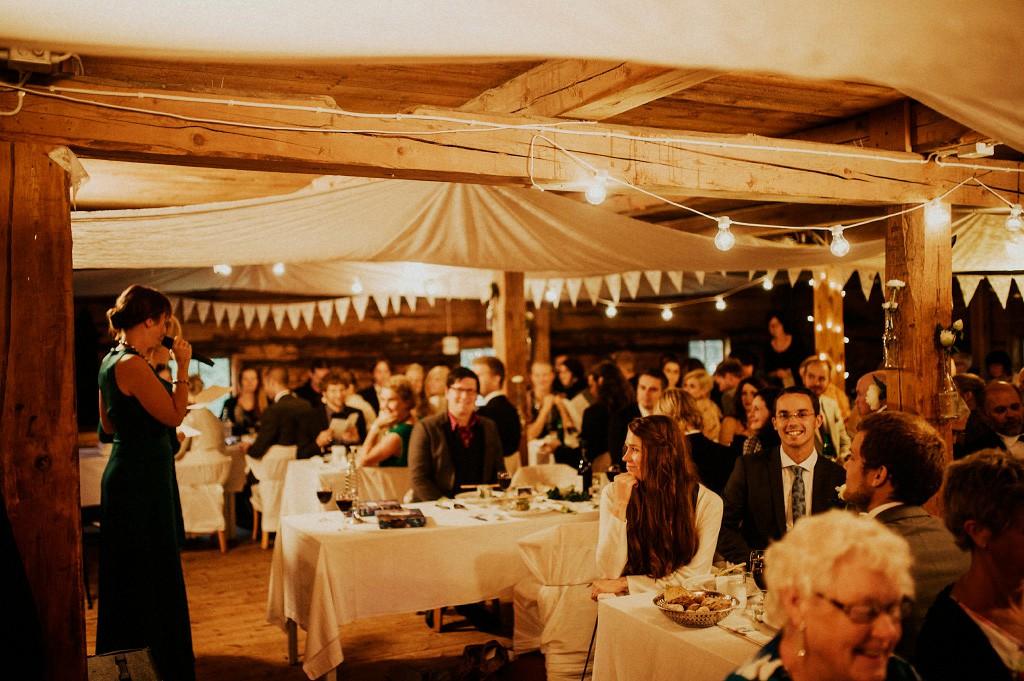 Bröllopsfest i Vassbo magasin