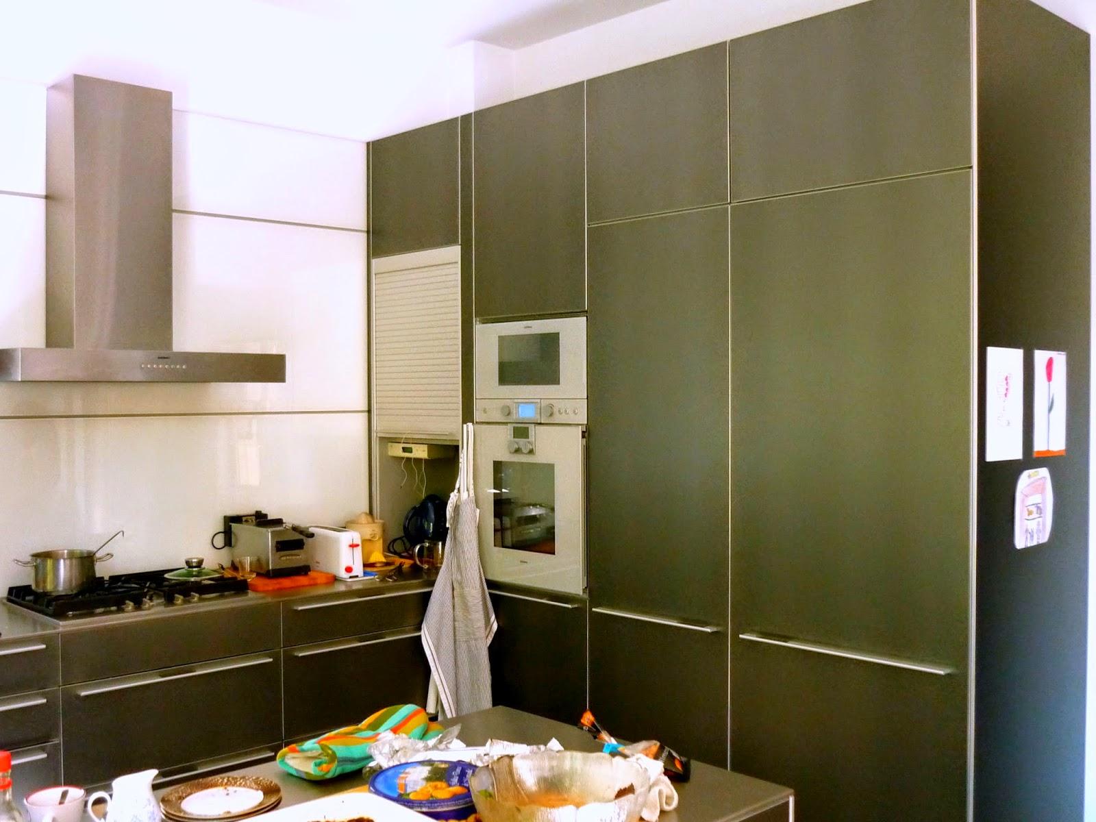 cocina amplia moderna