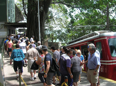 Tren al Cristo Corcovado, Rio de Janeiro, Brasil, La vuelta al mundo de Asun y Ricardo, round the world, mundoporlibre.com