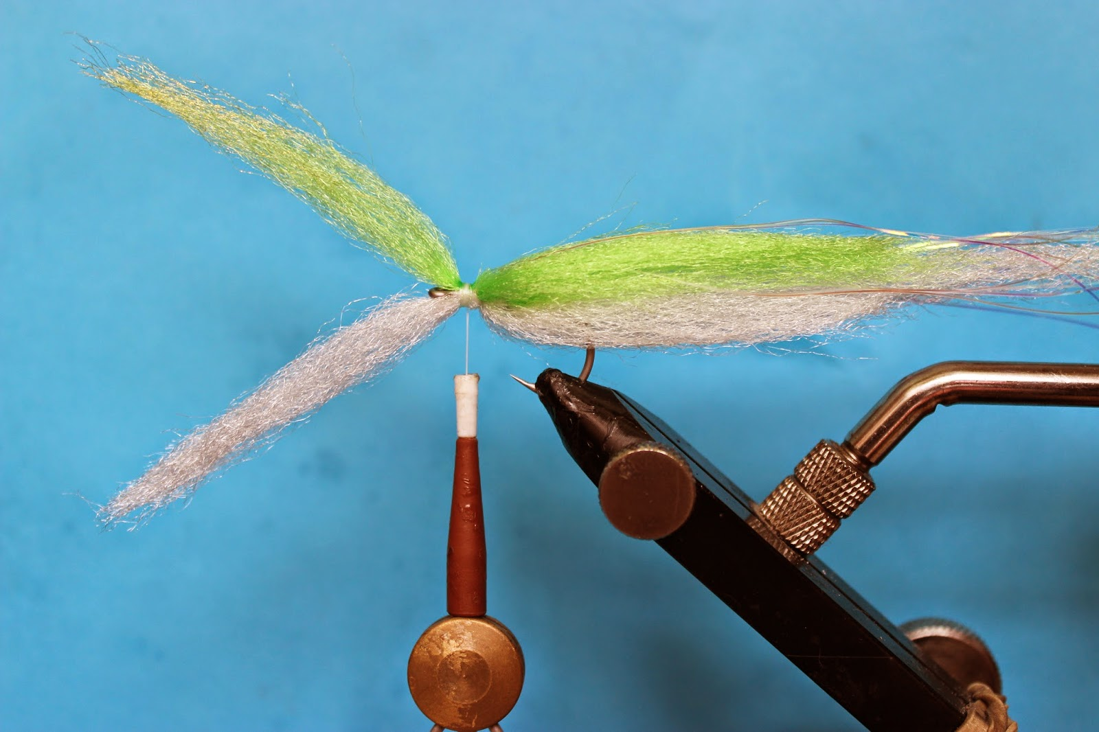 how to make a baitfish fly