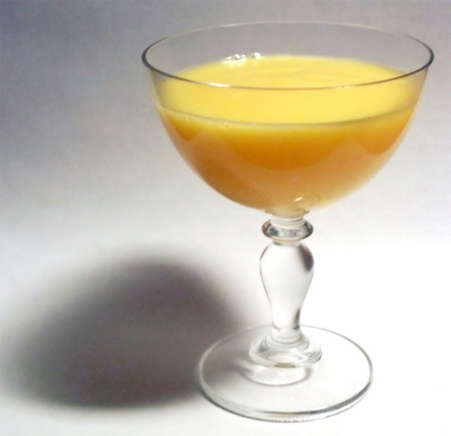 Yellow drink, Advocaat served in a wide cocktail glass