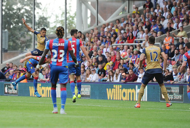 Sanchez header goal vs. Crystal Palace 2015