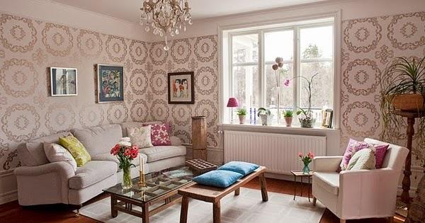ruang tamu nampak cantik dengan wallpaper dinding