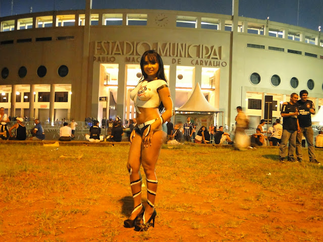 Cássia Mello, Peladona do Corinthians sensualiza no Estádio do Pacaembu