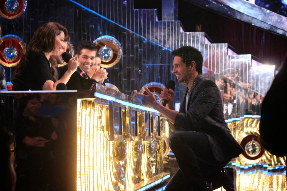 Sidharth Malhotra, Shraddha Kapoor & Prachi Desai on the sets of Jhalak Dikhhla Jaa