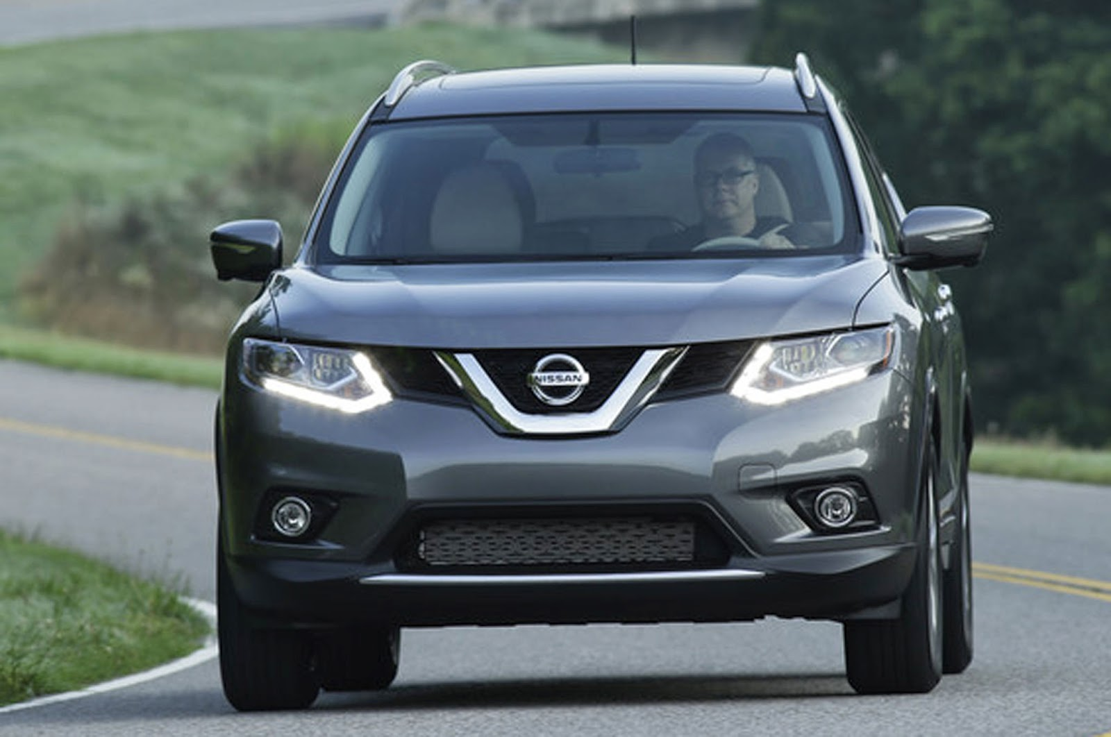 2015 nissan rogue reviews consumer autos post. Black Bedroom Furniture Sets. Home Design Ideas
