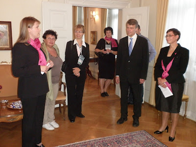 Maria Virtanen, Harri Melin and Marja Sutela giving a speech