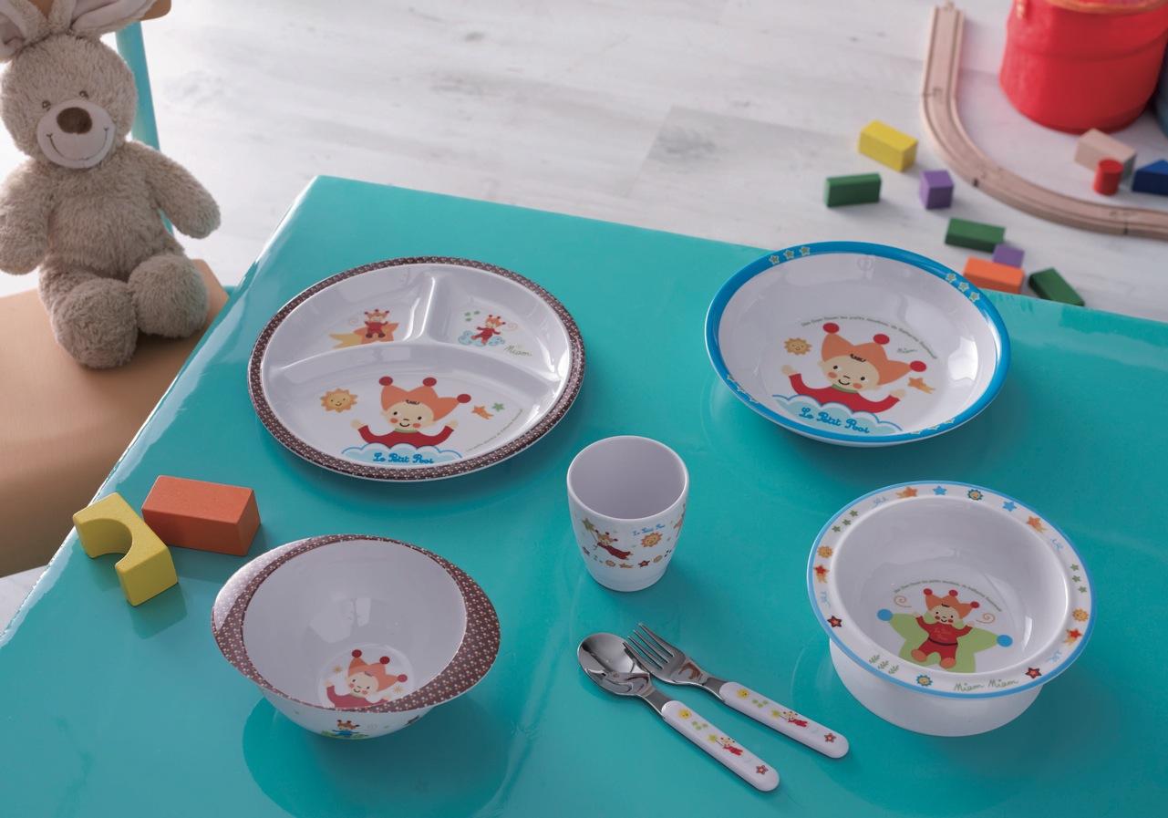 nouveau les coffrets vaisselle b b lili coccinelle et petit roi le blog de katherine. Black Bedroom Furniture Sets. Home Design Ideas