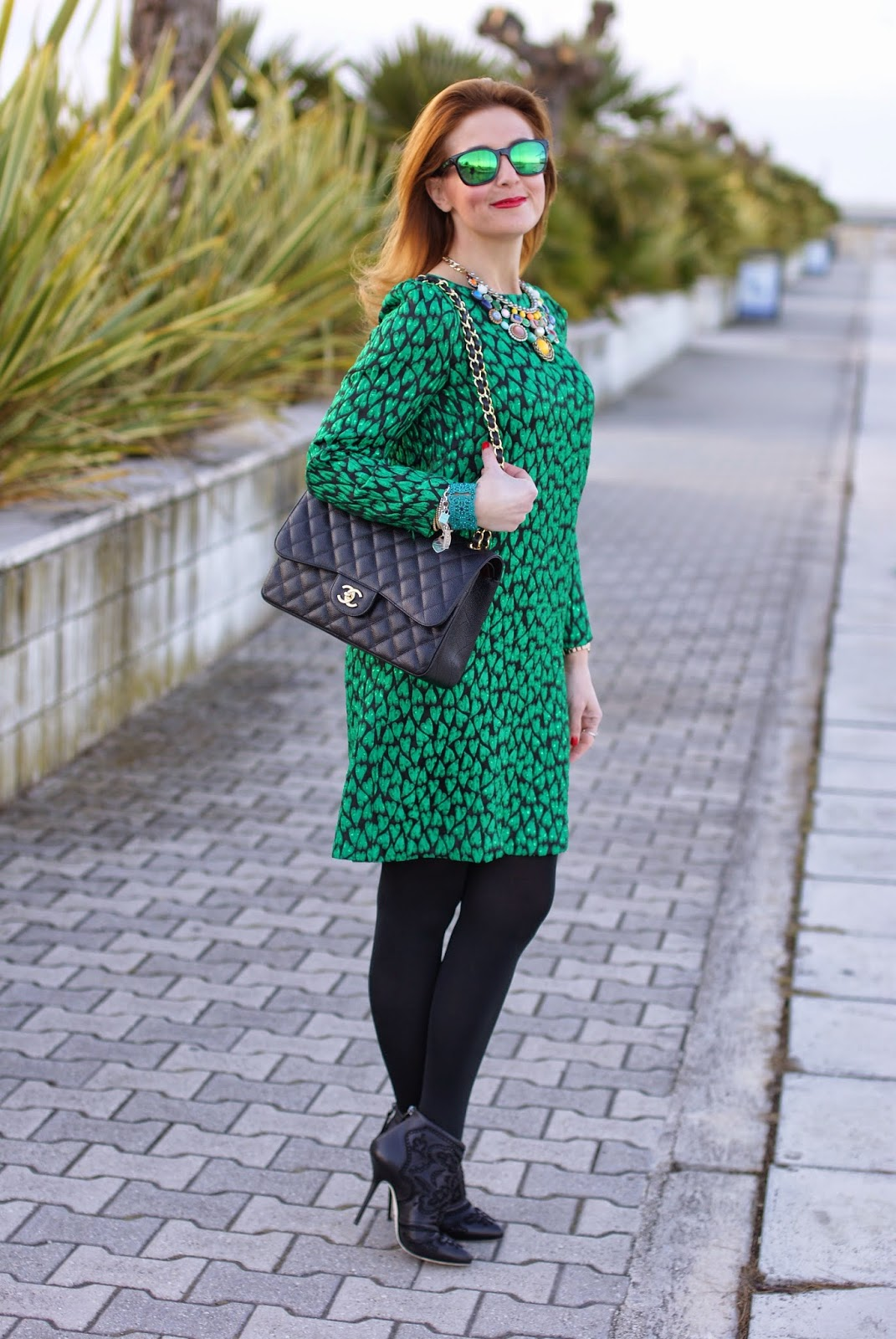Mauro Grifoni green shift dress, Chanel 2.55 classic flap bag, Oakley green mirror sunglasses, Fashion and Cookies fashion blog, fashion blogger italiana