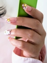 Chic-and-Easy-Fall-2012-Nail-Art-Designs