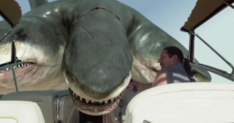 recensione 201 3headed shark attack 365film 2