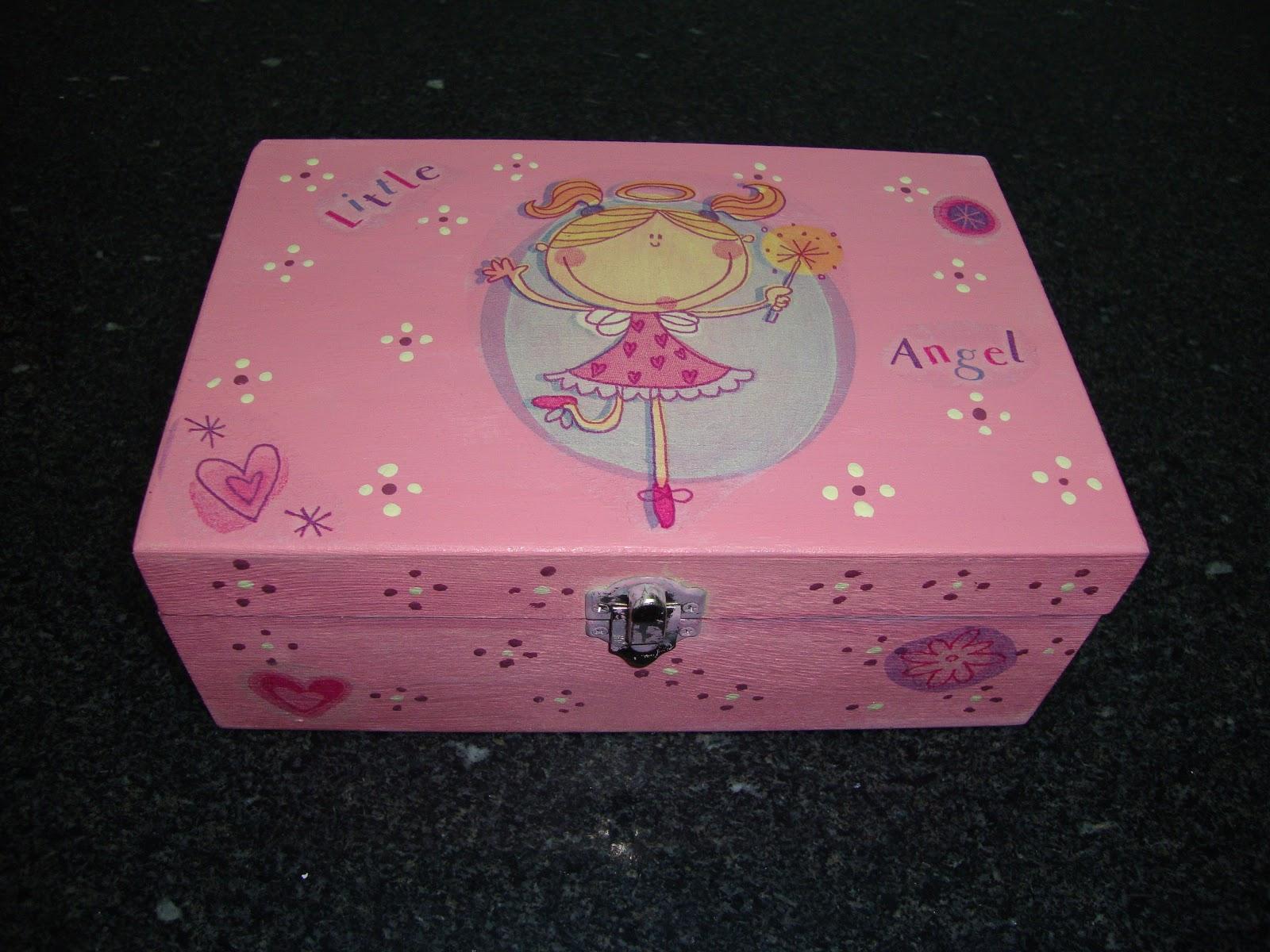 da Sónia: caixa de madeira para anéis e bijuterias pintada à mão #973460 1600x1200