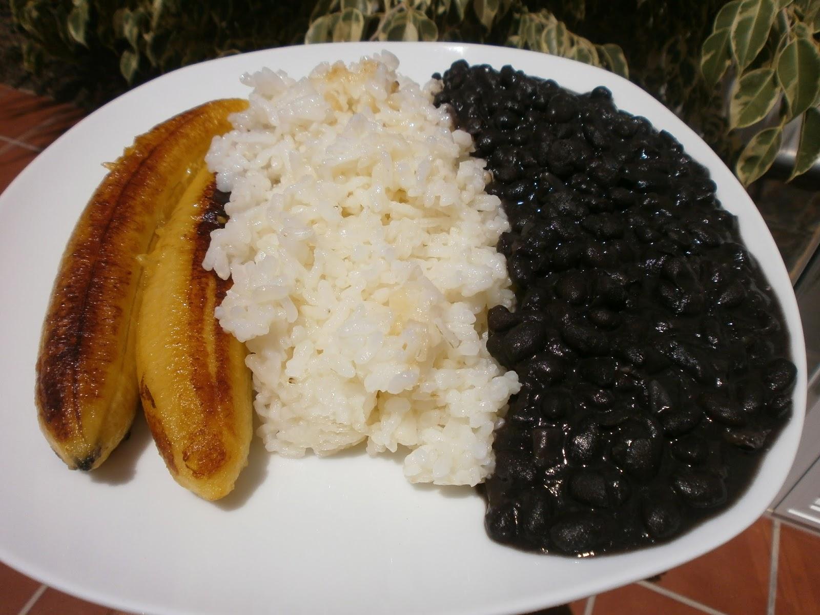 Luzmary y sus recetas caseras alubias negras frijoles - Judias pintas con arroz olla express ...