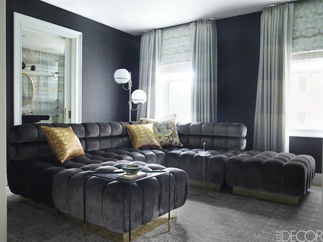 Einrichten mit Tapete – Wohnen mit Eleganz: Seidentapete im Wohnzimmer