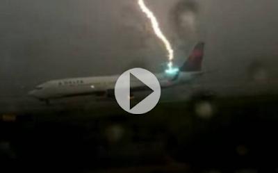 Κεραυνός σε αεροπλάνο