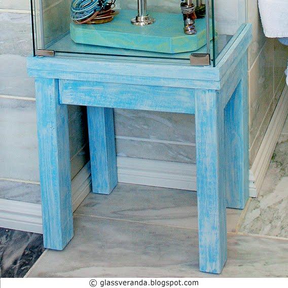 Oppussingsprosjekt Bad - Del 15: Redesign et Ikea-møbel! Se hvordan et masseprodusert glass-skap enkelt kan forvandles til noe unikt og spennende!