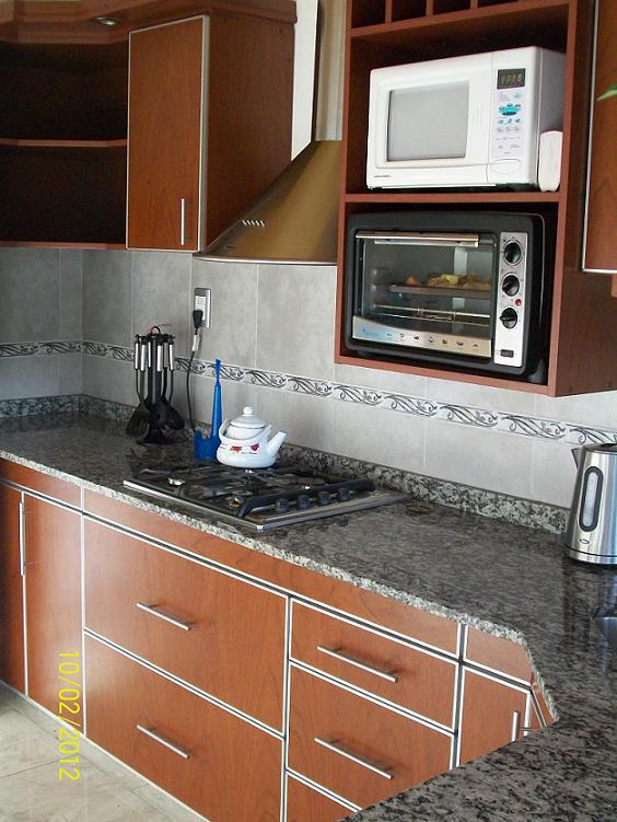 Mobilack cocina en laminado con tapacantos de aluminio - Esquinero cocina ...