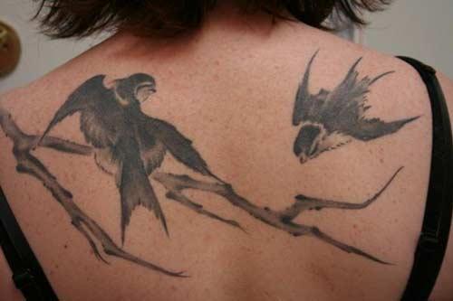 http://4.bp.blogspot.com/-l5k7LSVIAzE/Tn3EbXP7u7I/AAAAAAAAFVU/VaNxP2G84qg/s1600/bird-tattoo-2.jpg